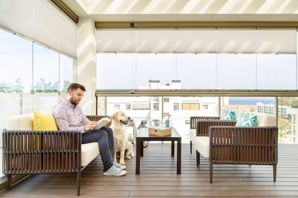 cerramientos y acristalamientos para terrazas y porches; disfrutar de terraza; decoración; decorar terraza y porche; cerramientos; cerramientos de cristal;