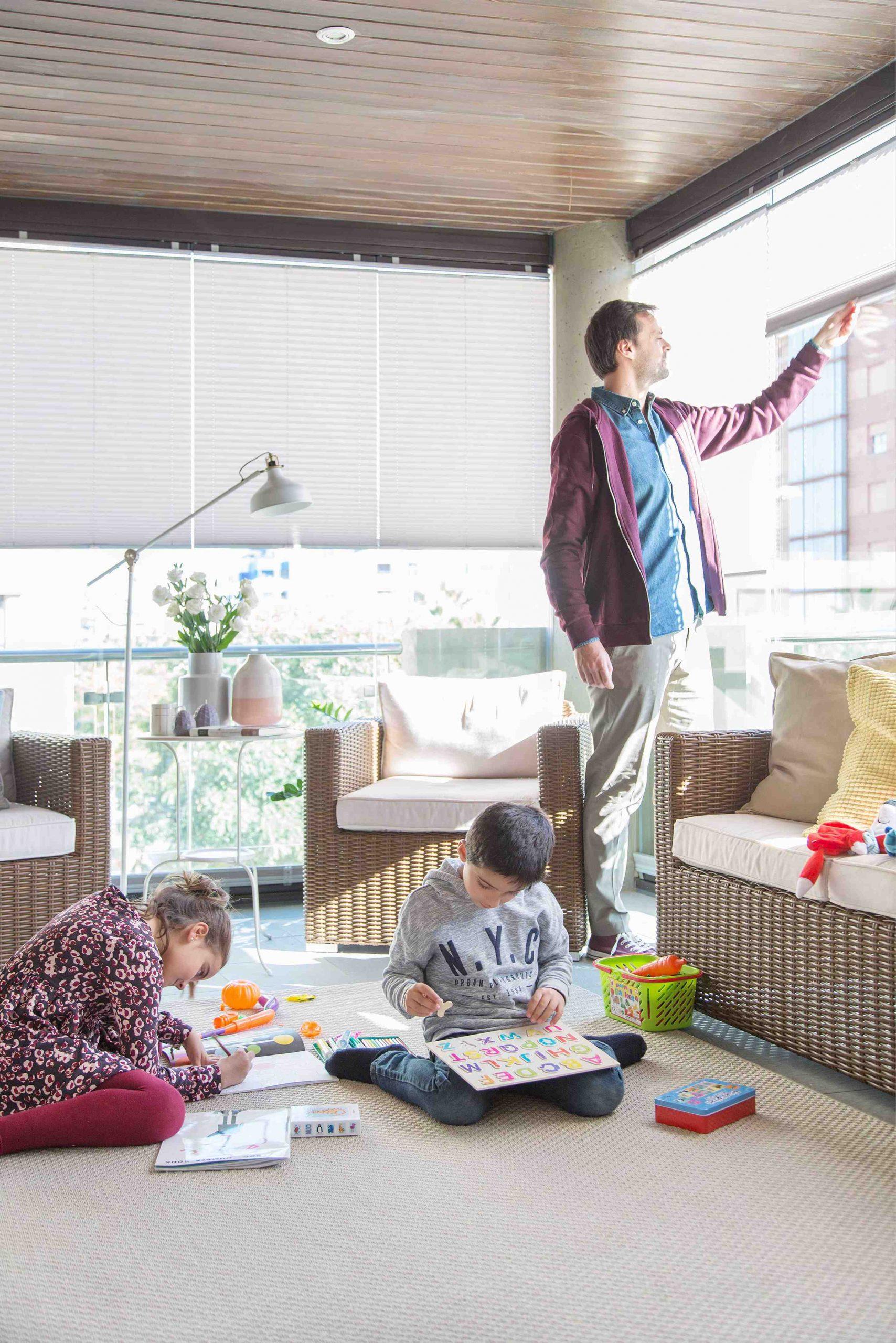 cerramientos y acristalamientos para terrazas y porches con cortinas de cristal;